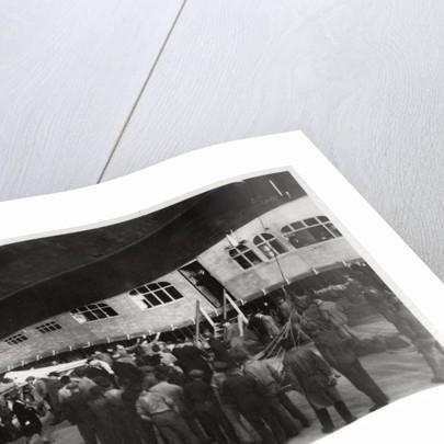 Passengers boarding Zeppelin LZ 127 Graf Zeppelin, 1933