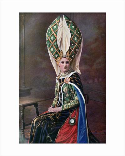 Lady's headdress by Anonymous