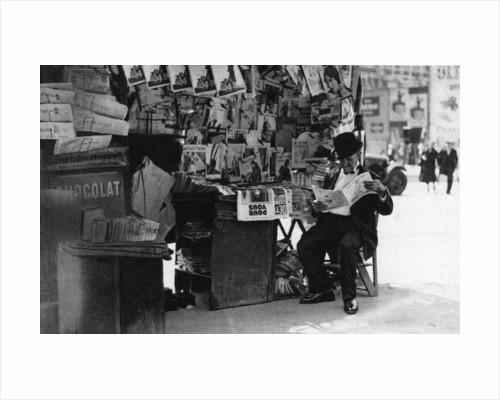 Newspaper stand, Paris by Ernest Flammarion