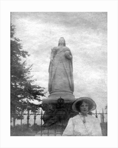 Queen Victoria's statue, College Green, Bristol by Joseph Edgar Boehm