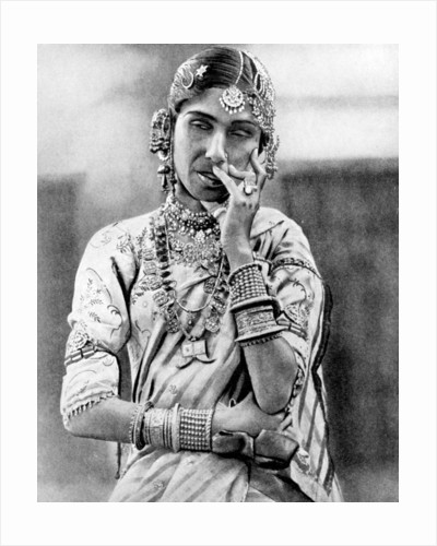 Indian nautch girl by Anonymous