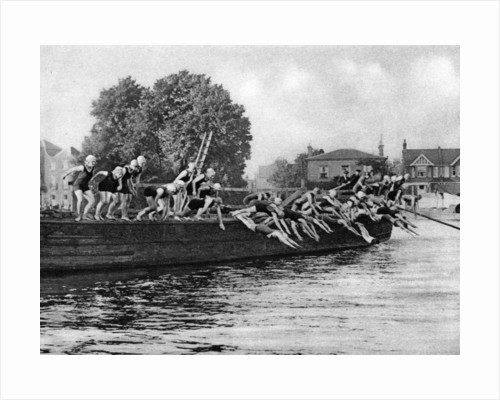 The annual Kew to Putney ladies' swimming race, London by Anonymous