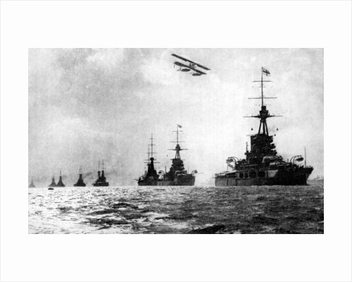 Dreadnoughts and hydroplane, British Grand Fleet, North Sea, First World War by Anonymous