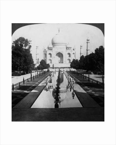 Taj Mahal, Agra, Uttar Pradesh, India by Underwood & Underwood