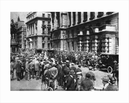 Crowds wait in London to see if there will be war, 4th August 1914 by Fox