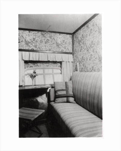 Passenger cabin during the day, Zeppelin LZ 127 'Graf Zeppelin' by Anonymous