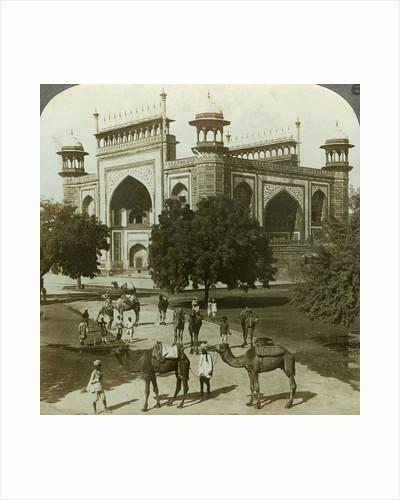 Tomb of Akbar, Sikandarah, Uttar Pradesh, India by Underwood & Underwood