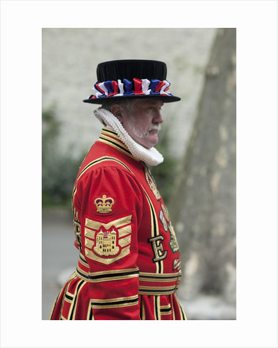 Yeoman Warder, Tower of London by Jordi Ruiz Cirera