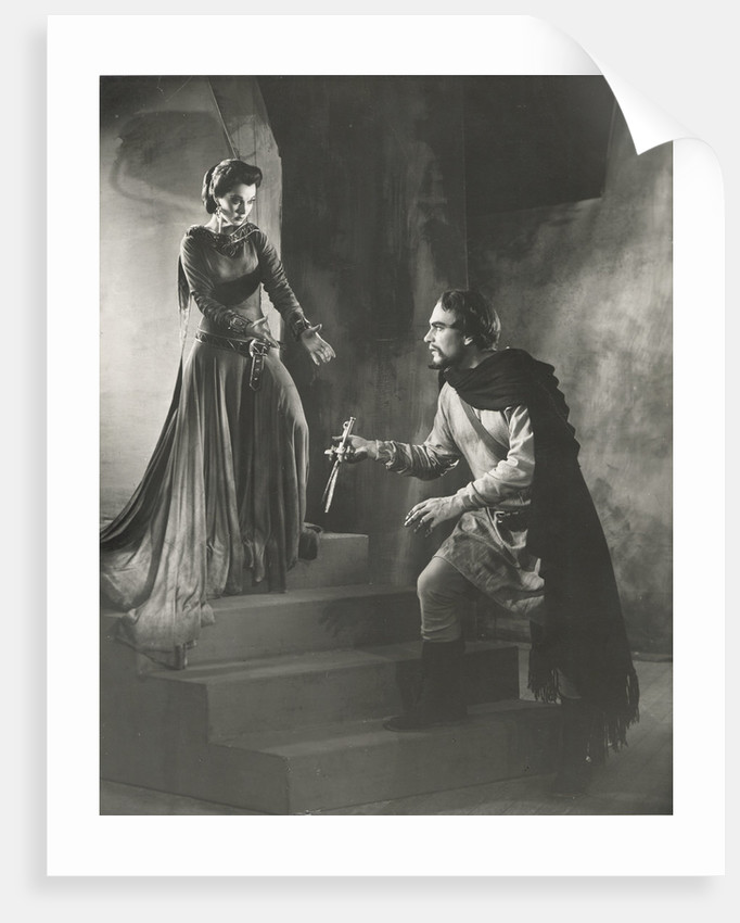 Macbeth 1955, Lady Macbeth asks for the daggers from Macbeth without scratch by Angus McBean