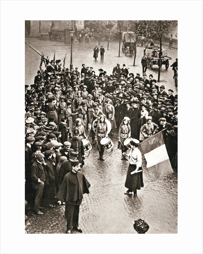 The Women's Social and Political Union fife and drum band out for the first time by Anonymous