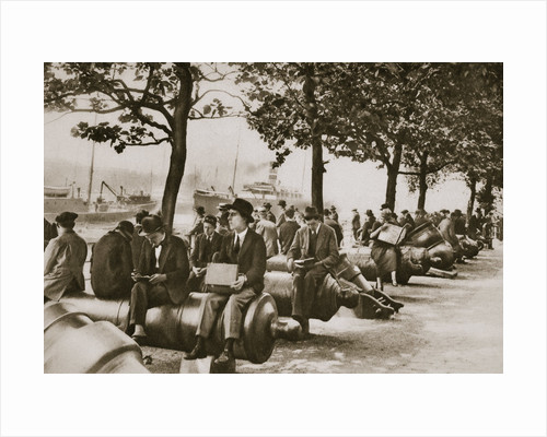 City workers lunching at Tower wharf, seated on old cannons by Anonymous