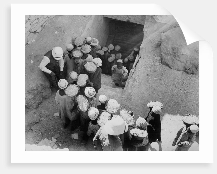 Closing the Tomb of Tutankhamun by Harry Burton