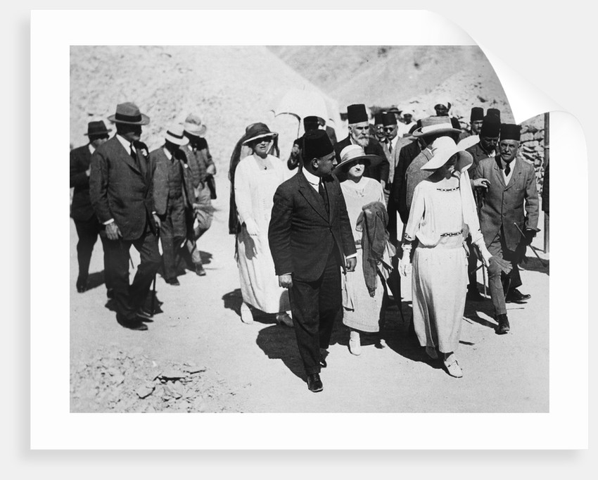 Distinguished visitors to the Tomb of Tutankhamun by Harry Burton