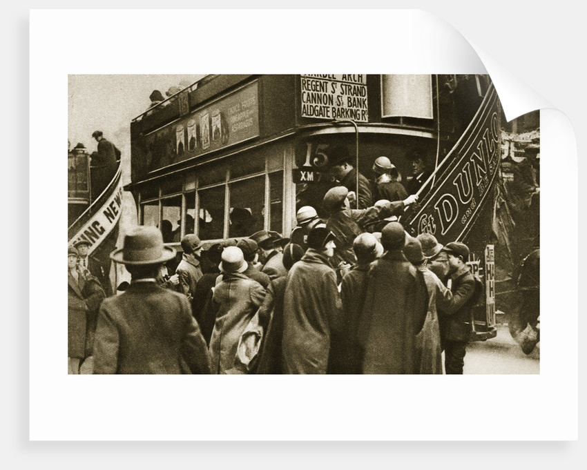 Londoners rushing for a bus on Ludgate Hill by Anonymous