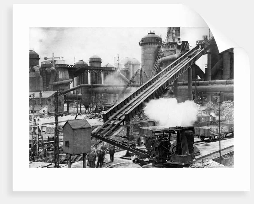 Relining furnace No. 5, Bilston Steelworks, 1940s by unknown